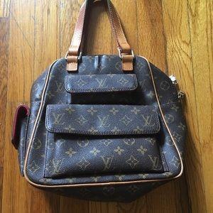 Authentic Louis Vuitton Bag .